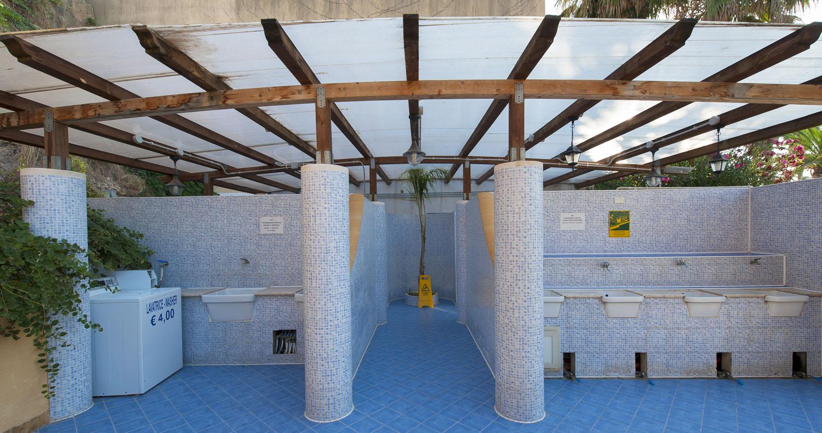 Bagni e servizi camping campeggio Sporting club Village Mazara del Vallo